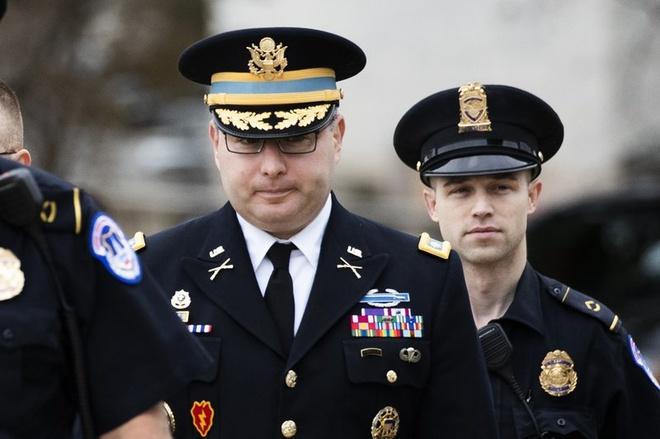 Trung ta My dieu tran chan dong trong cuoc dieu tra luan toi TT Trump hinh anh 1