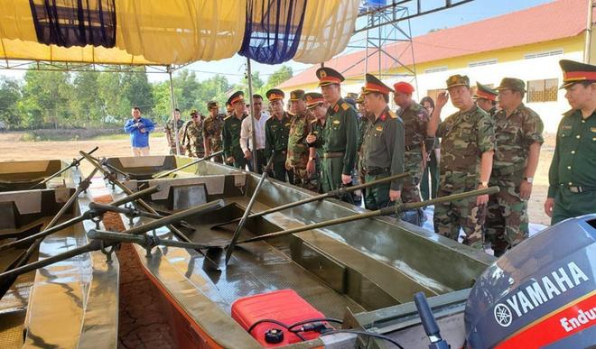 TT Hun Sen bac bo cach hieu sai ve dien tap cuu ho voi quan doi VN hinh anh 2 Vietnam-and-cambodia-excercise.jpg
