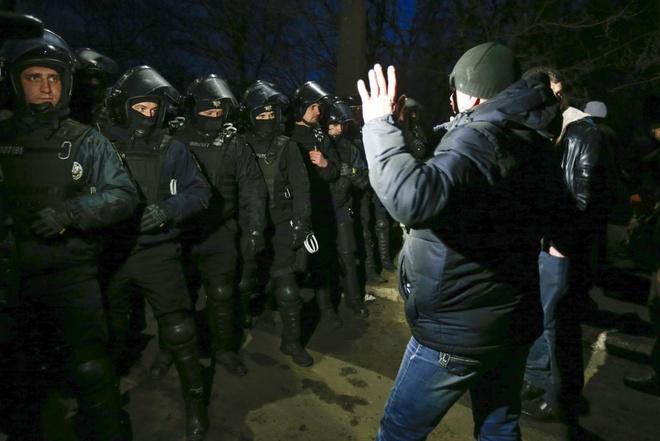 Nguoi so tan tu Trung Quoc bi nem da tai Ukraine hinh anh 1 1000_2020_02_21T060233.422.jpeg