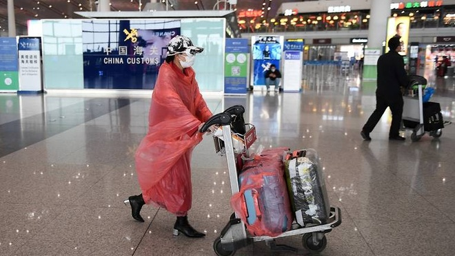 Trung Quoc cach ly 94 nguoi bay den tu Seoul hinh anh 1 china_airport_virus_passengers.jpg