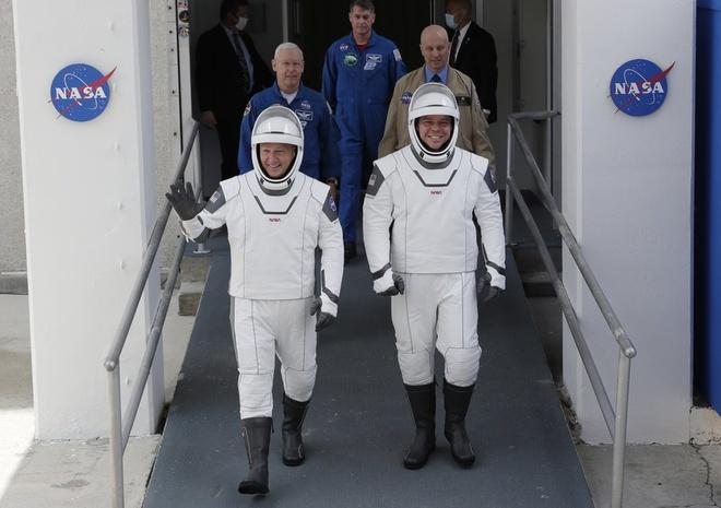 spacex hoan phong tau vu tru anh 2