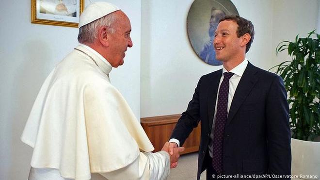 Vatican muon cac ong lon cong nghe don sach noi dung khieu dam hinh anh 1