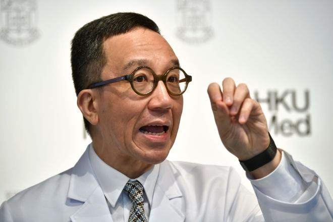Chuyen gia Hong Kong hoi thuc bien phap quyet liet hon vi virus corona hinh anh 1 giao_su_afp.jpg