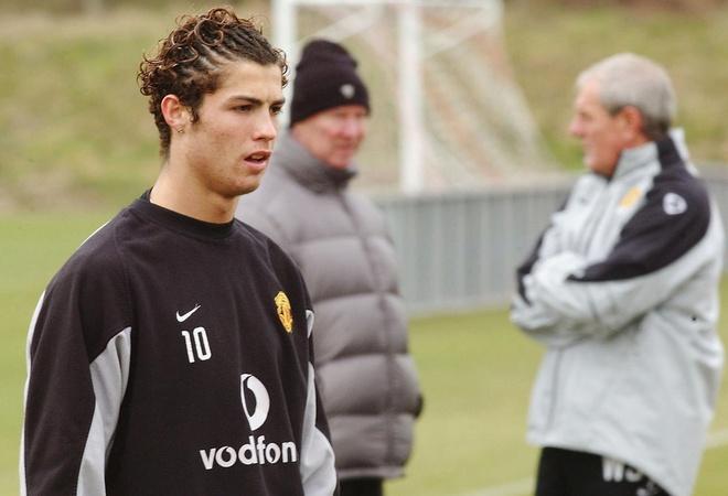 Nhung kieu toc mang thuong hieu cua Ronaldo hinh anh