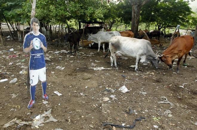 Nong dan Nicaragua dung hinh nom Messi de... trong bo hinh anh