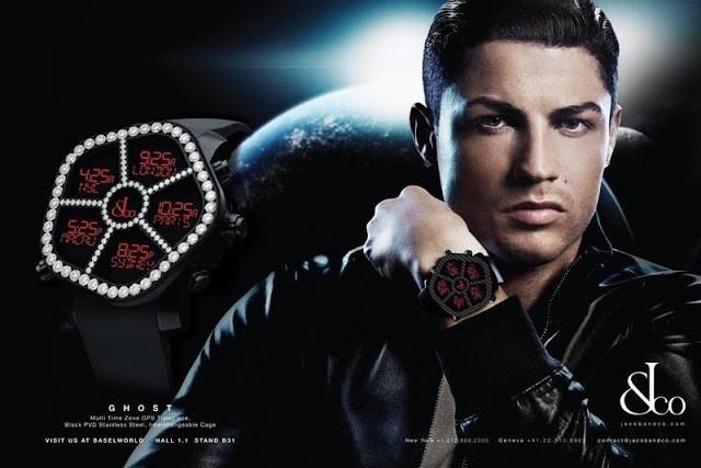 Luong thang cua Ronaldo du mua 4 sieu xe Rolls-Royce hinh anh