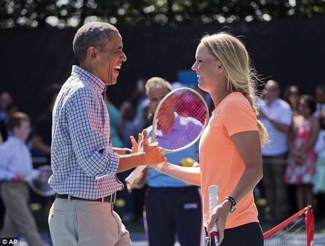 Wozniacki so tai tennis voi Tong thong Obama tai Nha Trang hinh anh
