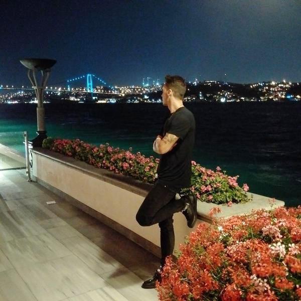 Theo chan sao: Sharapova khoe dang tren bien hinh anh 10