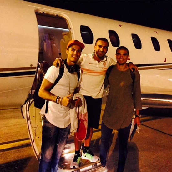 Neymar hen ho em gai tay vot Bouchard hinh anh 3