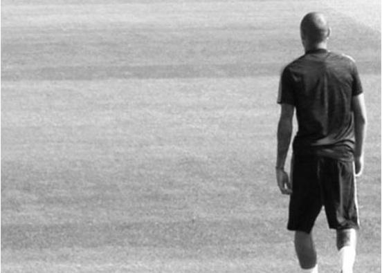 Theo chan sao: Neymar tu an ui sau khi bi phong toa tai san hinh anh