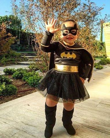 Theo chan sao: Con gai Rodriguez hoa trang don Halloween hinh anh 9