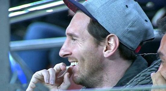 Theo chan sao: Messi cuoi tuoi khi Neymar toa sang hinh anh