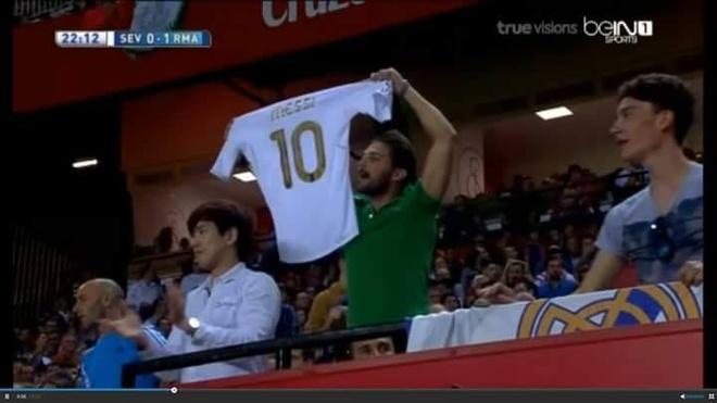 Theo chan sao: Fan Messi lieu linh thach thuc Ronaldo hinh anh