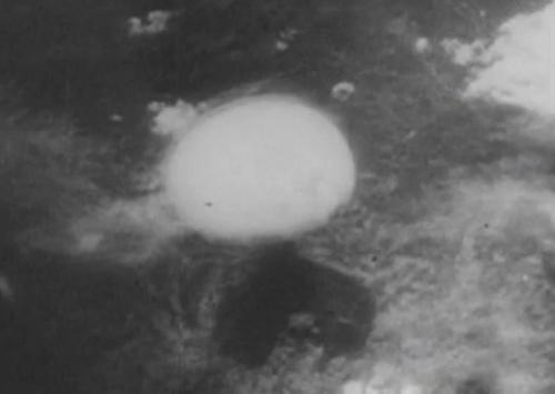 Toan canh bom nguyen tu no tai Hiroshima tu khong trung hinh anh