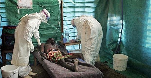 The gioi dang coi thuong dai dich Ebola hinh anh