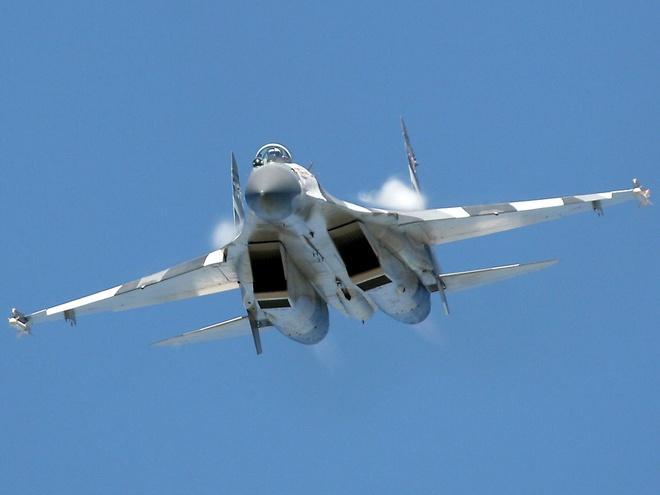 Sukhoi Su-27 pho dien kha nang tac chien hinh anh