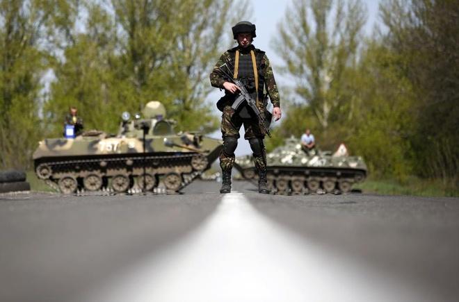 Nhung hinh anh di vao lich su cung bat on Ukraine hinh anh 9