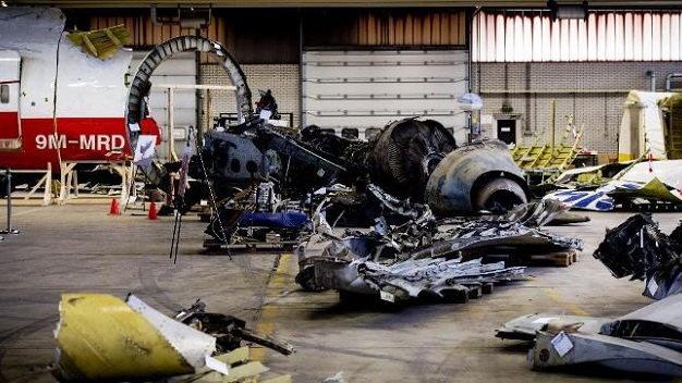 500 nguoi nha nan nhan den Ha Lan xem manh vo MH17 hinh anh