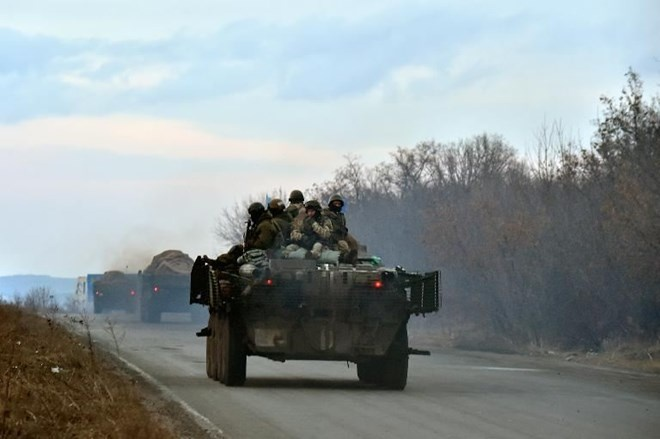My lai to cao Nga dua them xe tang vao Ukraine hinh anh