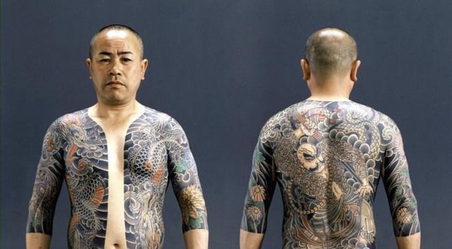 Vi sao Yakuza han che dung sung trong cac vu thanh trung? hinh anh 1 Thành viên các băng đảng Yakuza ở Nhật Bản. Ảnh: Tofugu