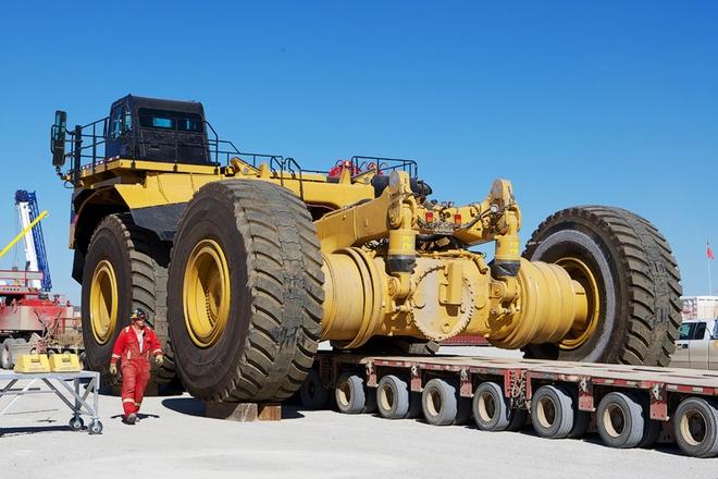 Xe ben mỏ siêu khổng lồ 1