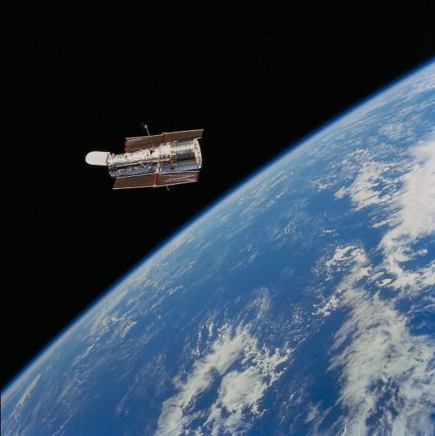 Loat anh lich su cua kinh thien van vu tru Hubble hinh anh 1