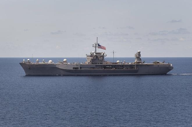 Nhung ngoi sao cua Ham doi 7 Hai quan My hinh anh 2 Tàu USS Blue Ridge (LCC-19), soái hạm của Hạm đội 7. LCC-19 được thiết kế năm 1964, khởi đóng vào năm 1967, hạ thủy năm 1969. Đến tháng 11 năm 1970, nó chính thức được bàn giao cho lực lượng hải quân Mỹ.