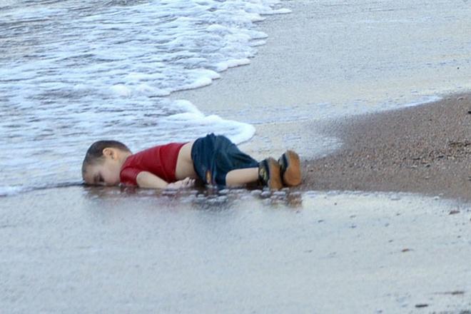 Be trai Syria tu nan tren duong di cu vao top anh tuan hinh anh