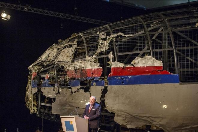 Toan canh phuc dung MH17 tu manh vo hinh anh