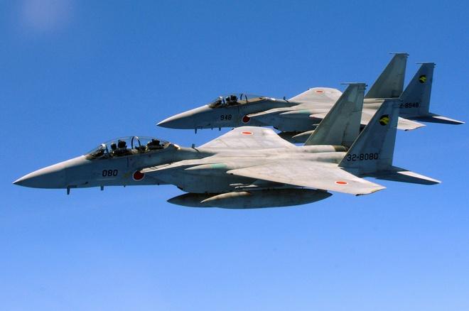 Nhat Ban tang gap doi F-15J o Okinawa de doi pho Trung Quoc hinh anh