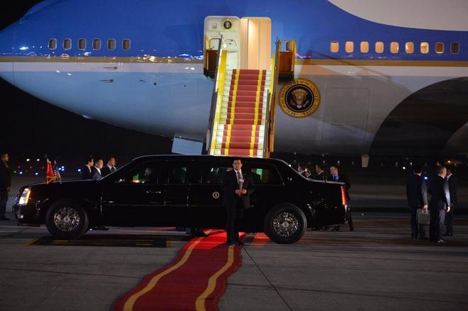 Tong thong Obama toi Ha Noi, bat dau cong du Viet Nam hinh anh 3