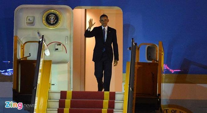 Tong thong Obama toi Ha Noi, bat dau cong du Viet Nam hinh anh 2