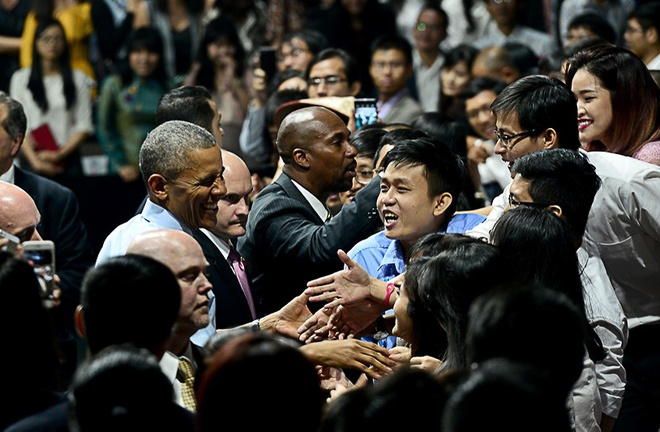 Mot Obama cuc 'cool' giua doi thuong Viet Nam hinh anh