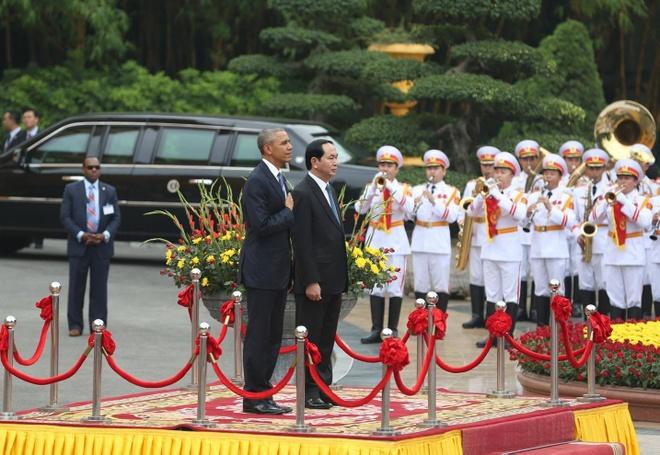 Mot Obama cuc 'cool' giua doi thuong Viet Nam hinh anh 1