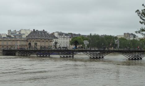 Paris truoc va trong tran lut lich su hinh anh 16