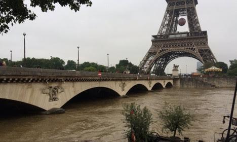Paris truoc va trong tran lut lich su hinh anh 12