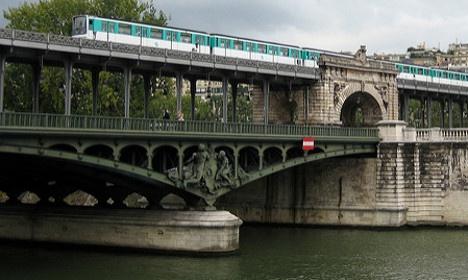 Paris truoc va trong tran lut lich su hinh anh 13