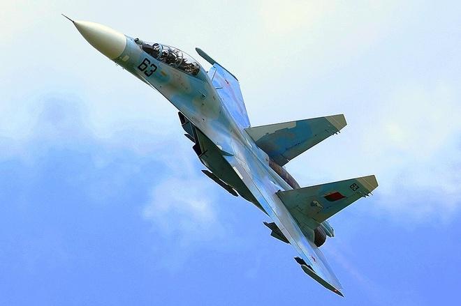 Su-27 roi o ngoai o Moscow, phi cong tu nan hinh anh