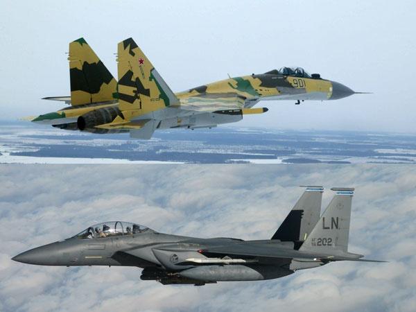 So sanh suc manh chien dau cua F-15 va Su-35 hinh anh