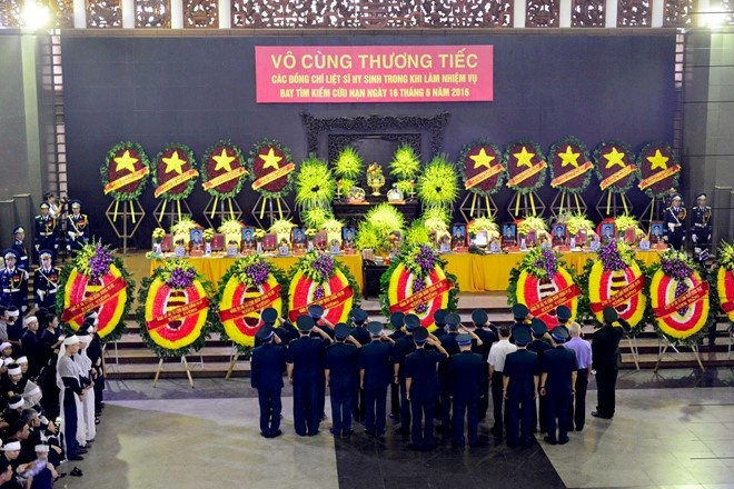 Thu tuong Lao chia buon vu tai nan Su-30MK2 va CASA-212 hinh anh 1