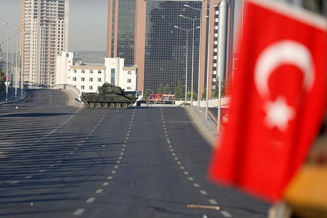 Istanbul vang lang sau cuoc binh bien khien 265 nguoi chet hinh anh