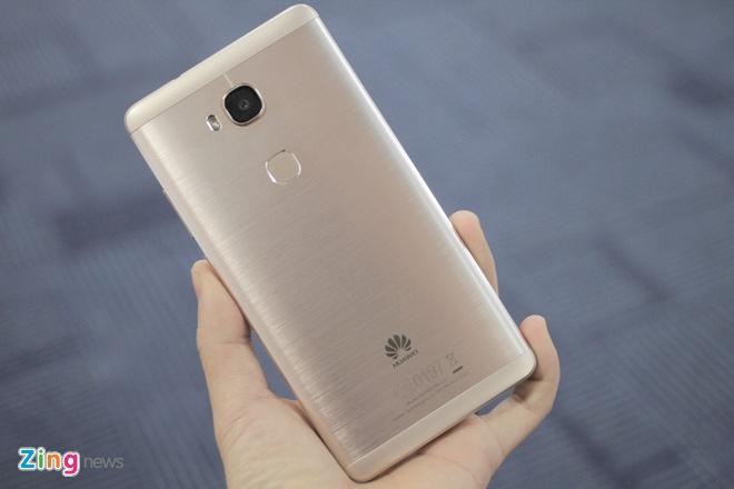 Smartphone gia 6 trieu, co cam bien van tay cua Huawei hinh anh 7