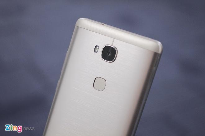 Smartphone gia 6 trieu, co cam bien van tay cua Huawei hinh anh 8