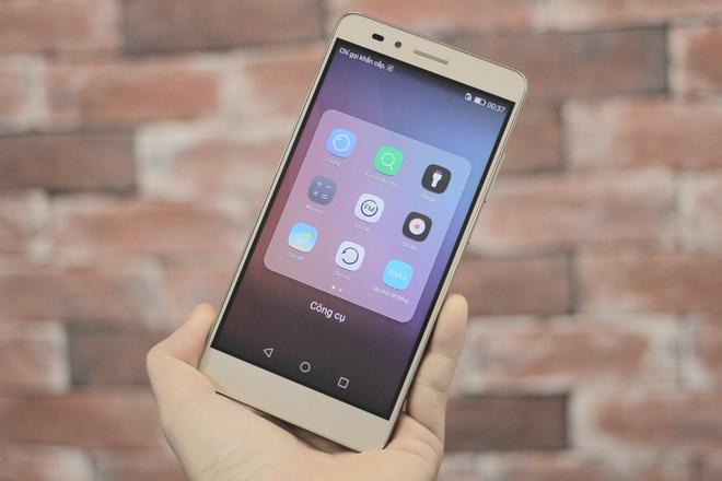 Smartphone gia 6 trieu, co cam bien van tay cua Huawei hinh anh