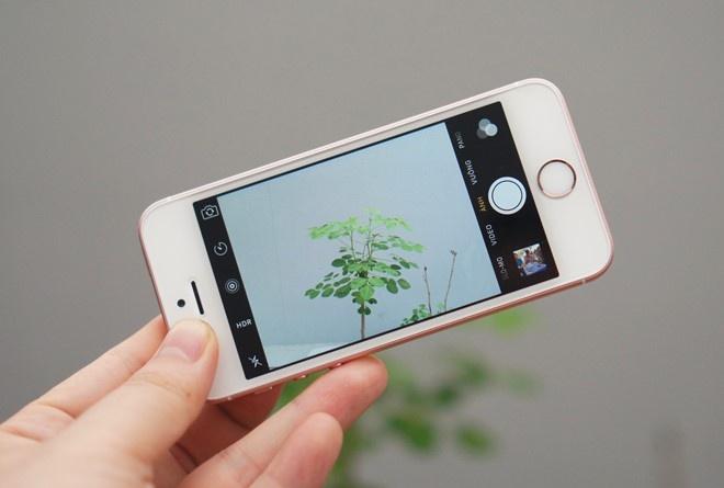 So sanh iPhone SE voi Galaxy A5 hinh anh 4