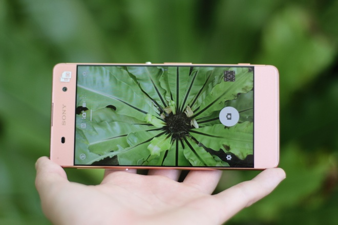 Dung thu Sony Xperia XA gia 7 trieu ban o Viet Nam hinh anh