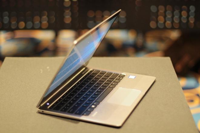 Doi thu cua MacBook 12 inch tu HP ve Viet Nam, gia 40 trieu hinh anh