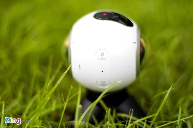 Mo hop Samsung Gear 360 gia 6,9 trieu dong tai Viet Nam hinh anh 4