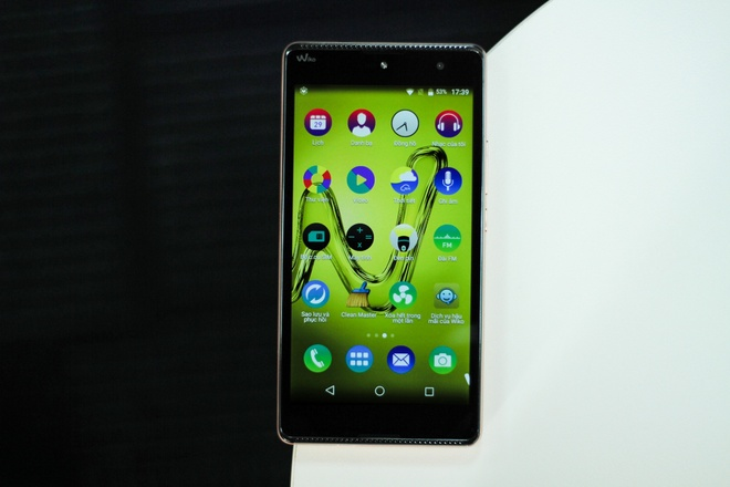 Smartphone gia hon 2 trieu, chay Android 6.0 tai VN hinh anh