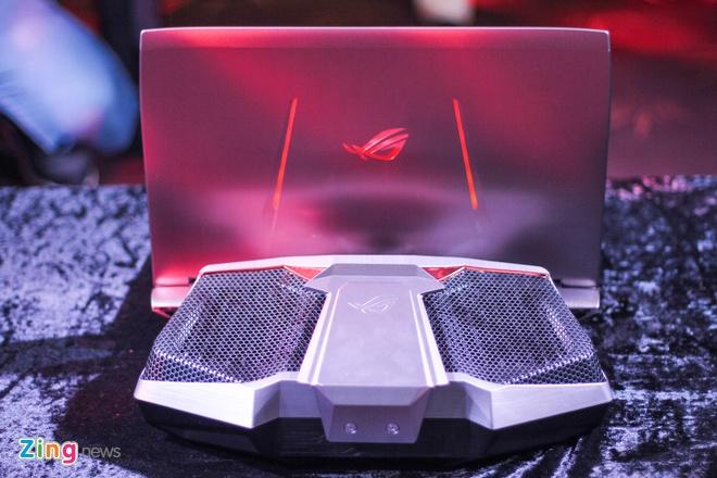 Laptop dau tien dung tan nhiet nuoc gia 6.000 USD tai VN hinh anh 10
